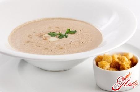 різні рецепти грибного крем-супу
