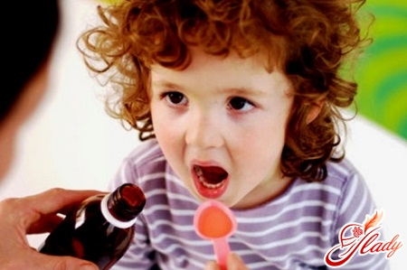 treatment of bronchitis in a child with expectorating syrups
