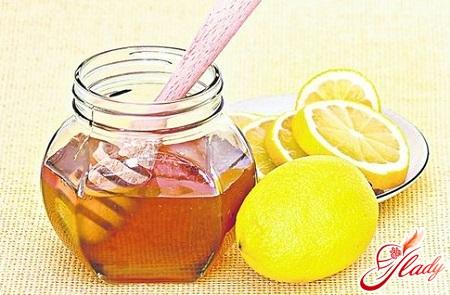 treatment with folk remedies