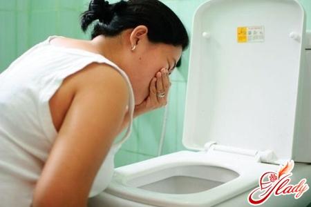 симптоми лікарського гепатиту