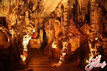 art caves