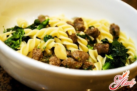 pasta in navy with stew and greens