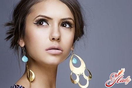 makeup for brown-eyed brunettes