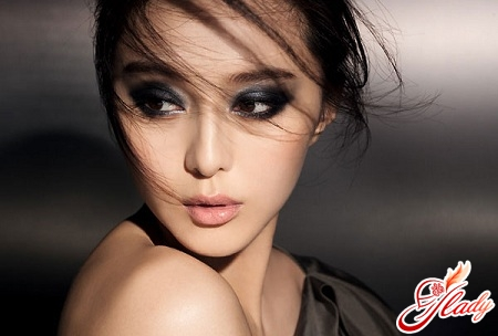 beautiful makeup for brown-eyed brunettes