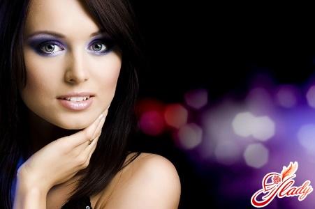make-up for blue-eyed brunettes