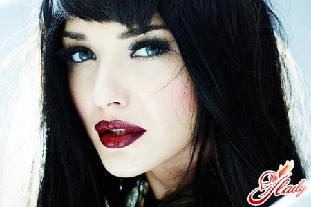 beautiful makeup for blue eyes brunettes