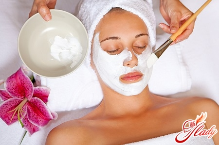 facial mask of cottage cheese