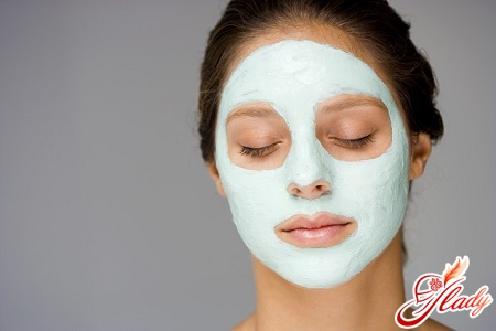 mask of blue clay for face