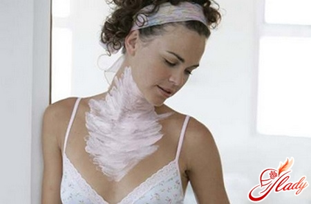 mask for neck and décolletage