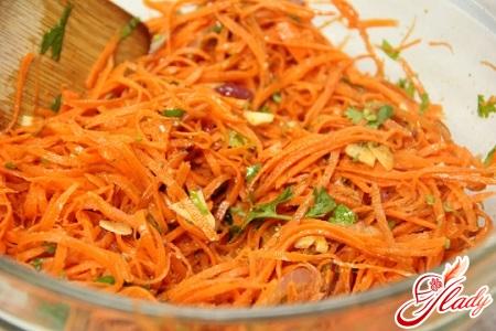 морква по - крейскі з зеленню