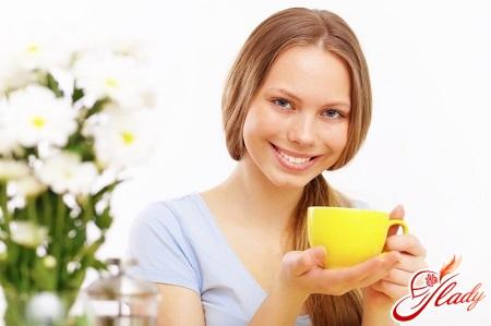 Can I drink green tea while breastfeeding?