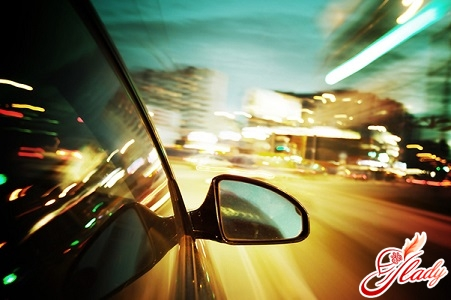 Rules of driving a car in the dark