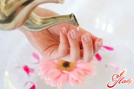 how to remove nails at home