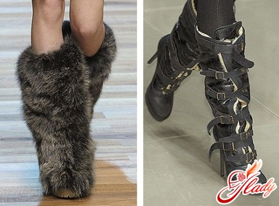 Warm boots and fashionable buckles