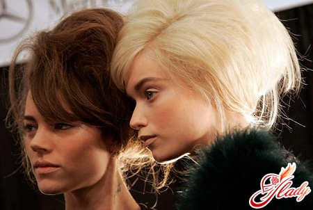 how to give volume to hair at the roots