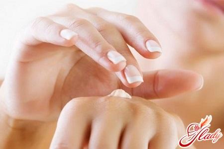 dry skin of hands