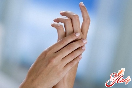 numbness of the fingers of the left hand