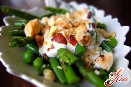 салати легкі овочеві