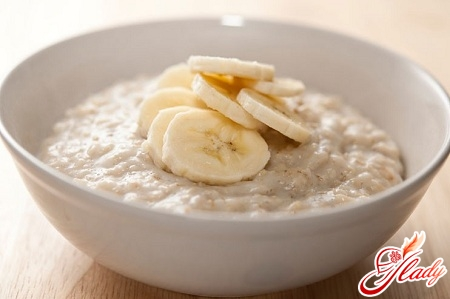 oatmeal with honey and apples