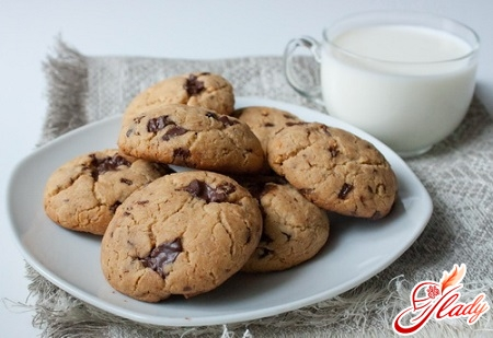 delicious cookies with chocolate
