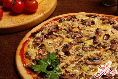 delicious pizza with champignons recipe