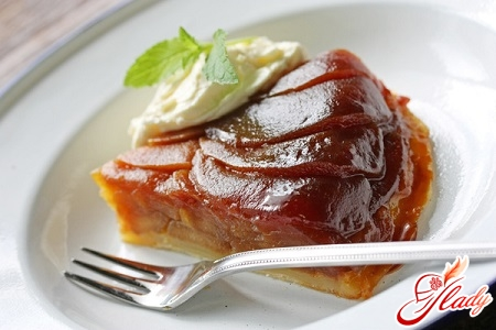 changeover pie with apples