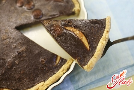 pie with pears in chocolate