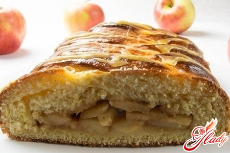 cake with apples