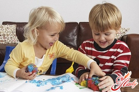 Needlework with children. To please is to develop