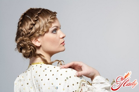 плетіння з волосся