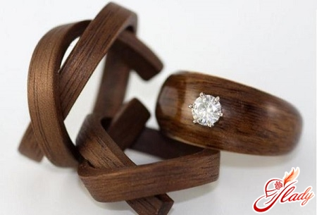 gifts for a wooden wedding