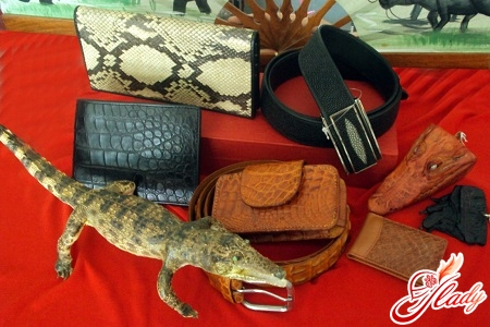 unusual gifts for a leather wedding