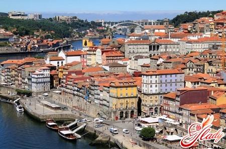 the famous port city