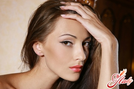 beautiful professional makeup at home