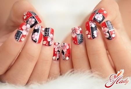 Fashionable simple manicure