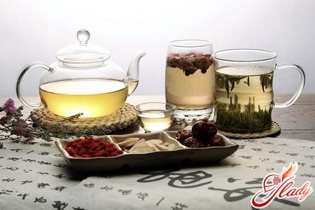 Unloading days on green tea