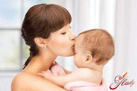 правильний розвиток дитини в 2 місяці