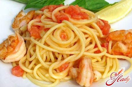 spaghetti with shrimp in cream sauce