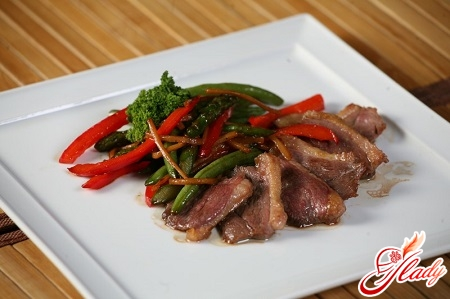 delicious duck recipe with apples in the oven