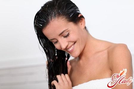 drawing burdock oil on hair