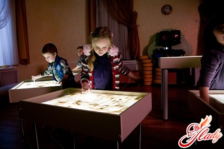 drawing sand for children