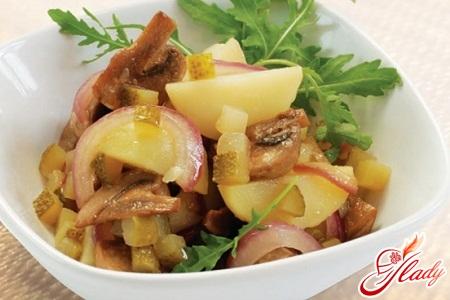 potato salad with mushrooms