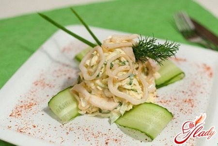 salad with squid and cucumber