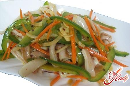 squid salad with cucumber