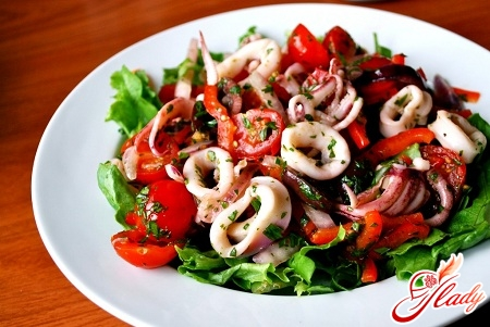 salad of squid with apples