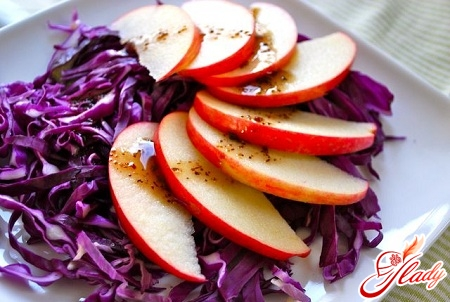 cabbage salad with apples