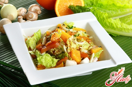 Chinese cabbage salad with chicken
