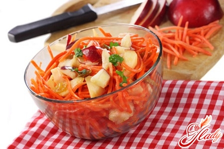 salad with carrots and apple