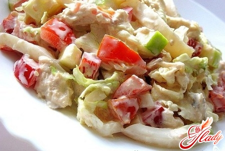 Pekingese cabbage salad with tomatoes