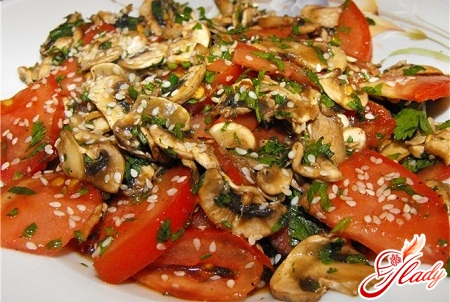 delicious salad with raw champignons